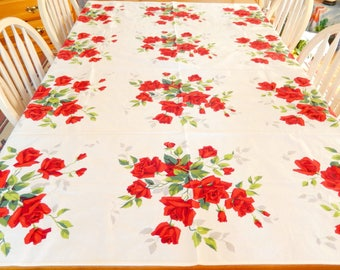 vintage Wilendur tablecloth/red roses/oblong 68 x 52/home decor/table linens/vintage linens