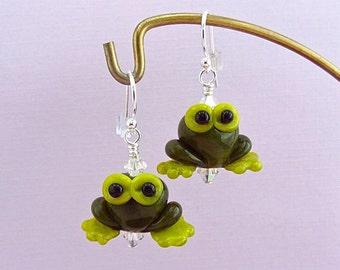 Tree Frog Earrings - Lampwork Glass Bead Creation - SRA