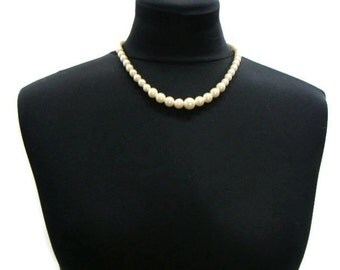 Vintage Graduated Pearl Necklace Single Strand Pearl Necklace Simple Pearl Necklace Vintage Faux Pearl Necklace Single Strand Necklace