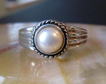Vintage Genuine Pearl and Sterling Silver Size 11 Ring, Beautiful Real Pearl Sterling Ring, Beautiful Pearl