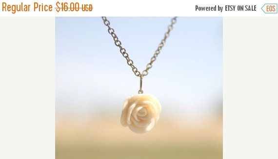 FINAL CLEARANCE Cream Ivory Rose Flower Necklace // Bridesmaid Gifts // Bridesmaid Necklaces // Rustic Wedding