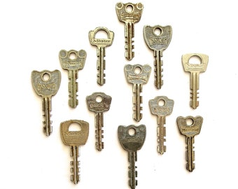 12 Old odd keys Vintage keys Antique keys Vintage Master Lock keys Vintage Master Keys keys Keys for crafting Flat keys Small keys #7C