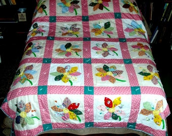 "VINTAGE APPLIQUE QUILT, 88""x71"" reversible, wall hanging,double,twin,flowers,puffy bright and soft colors,pink,green,aqua,bluegreen,kelly"