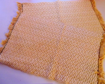 Set of 2 placemats,yarn placemats,vintage table mat,yellow,green,gold,knit crochet table,hand woven placemats,white.yellow,diamond pattern