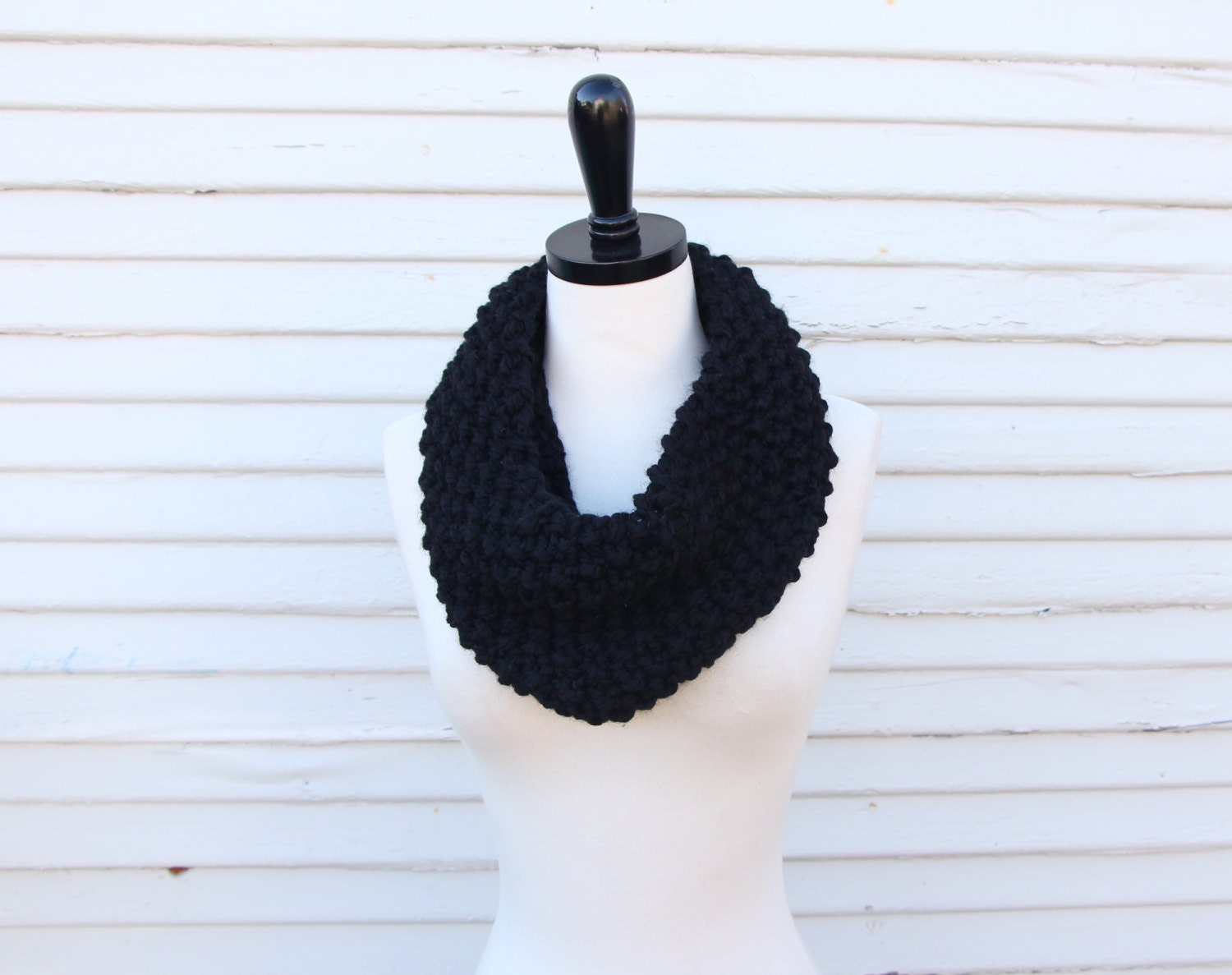 Single loop seed stitch cowl - hand knit with wool blend yarn