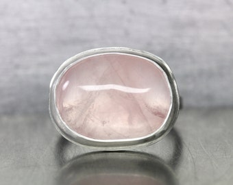 Primitive Simple Rose Quartz Cabochon Ring Silver Romantic Pastel Blush Pink Bubble Natural Freeform Gemstone Band Gift For Her - Rosenblase