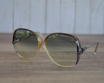 Vintage 1970's B&L Ray Ban Women's Sunglasses Bug Eyes Oversized Italy