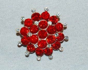 Red and Clear Rhinestone / Brooch / Vintage / Collectible / old jewelry