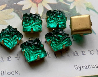 Vintage square Cabochons, Pressed glass cabochons, Western Germany, Brass Set Cabochons, emerald cabochons, Design Rare Cabs 8mm NOS #660A