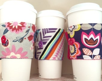 Coffee Cup Cozy, Coffee Cup Sleeve, Cup Cozy, Cup Sleeve, Reusable Coffee Sleeve - Bold Floral [31-33]