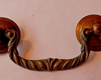 one (1) antique 3 inch centers cast brass drawer pull bail vintage