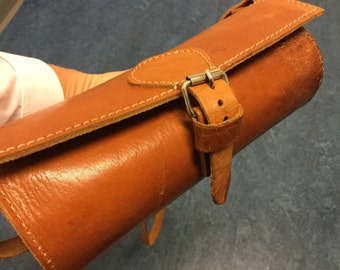 Vintage leather.leather purse.cylinder bag leather.bohemian chic purse.boho hippy chic.graduation.teen girls dress. purse leather camel soft