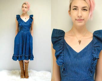 Denim Apron Dress  //  70s Boho SunDress  //  THE MYSTIFIED