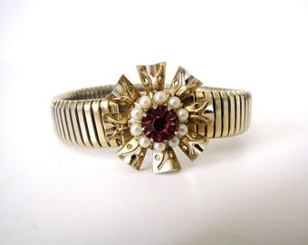 Vintage Expansion Bracelet 1950s Pink Rhinestone Pearls Gold Stretch Bracelet Flower Bracelet from AllieEtCie