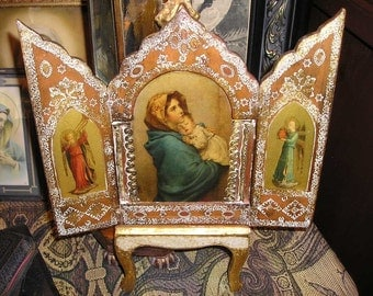 Vintage Religious Italian Florentine Triptych. Virgin Mary and Baby Jesus w/Angels.Travel Prayer Icon.
