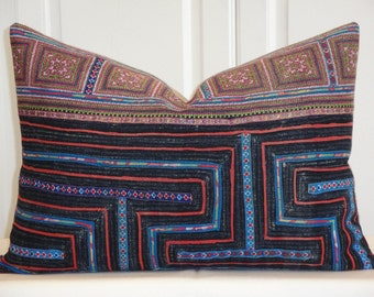 VINTAGE Hmong Pillow Cover - Tribal Decorative Pillow Cover -  Cross stitches on cotton - Accent Pillow - Toss Pillow - Cushion cover