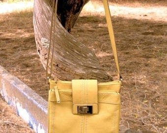 Gorgeous TIGNANELLO Quality Leather Pebble Leather Ochre CrossBody  Bag Mint Condition Hardly Used