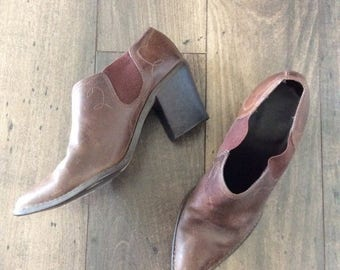 20% OFF 1980's Brown Leather Heeled Western Ankle Boots Size 7 by Maeberry Vintage