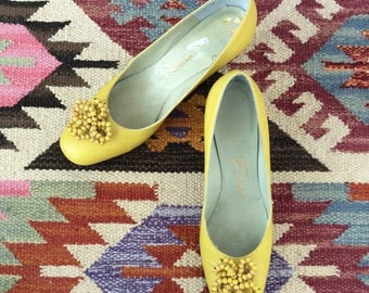 30% OFF 1960's Yellow Leather Heels w/ Beaded Details Vintage Kitten Heels Size 6 by Maeberry Vintage