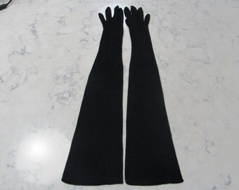 VINTAGE 1950's VAN RAALTE Black Opera Length Gloves--22 inches-Round Pearl Buttons--Size 6 1/2--Glove auction #104-1116