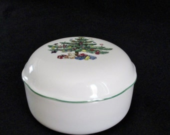 Nikko Happy Holidays Pattern Round Bon Bon with Lid Trinket Box with Lid Holly inside