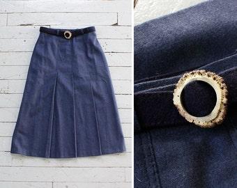 Antler Buckle Wool Skirt S • 70s Skirt • Navy Skirt • High Waisted Skirt • Box Pleat Skirt • Vintage Midi Skirt • Winter Skirt | SK698