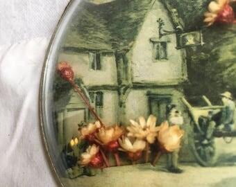 Vintahe convex glass art  dried flower art