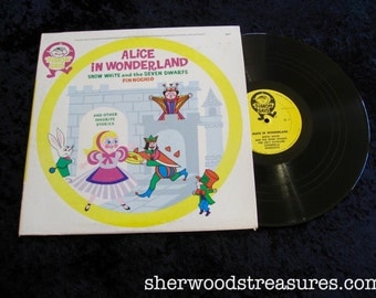 Alice In Wonderland Snow White and the Seven Dwarfs  VINYL lp Record - Very clean Simon Says
