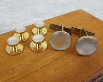 Pioneer Cufflinks & Shirt Studs - Frosted white set in gold tone metal  - 70s