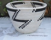 Vintage Tutsi Traditional Basket Bowl. Ivory and Black. Tightly Woven.