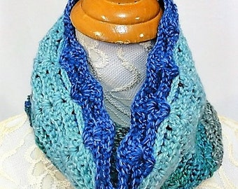 shades of blue and turquoise merino silk cowl