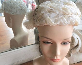 Vintage 1960s White Woven Straw Toque Hat