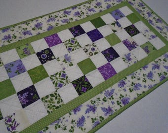 Quilted Table Runner with Lilacs, Spring Quilted Table Topper in Lavender and Green, Cottage Chic Table Quilt, Purple Lavender Violet