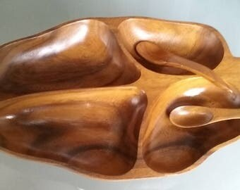 Monkey Pod Wood Banana Leaf Divided Serving Bowl with Spoons, Vintage Home Serving, Philippines, Mid-Century Modern Design, Snack Tray