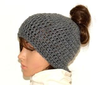 Messy Bun Beanie, Messy Bun hat,Ponytail Hat,Ponytail Beanie,Winter Yoga hat,Wide Headband,Trending Messy Beanie,crochet beanie,Handmade