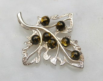Baltic Amber Jewelry Leaf Shaped Pendant Green Small 925 silver 925 Silver