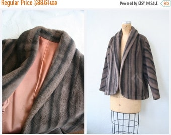 3 DAY SALE elegant 1950s faux fur ladies winter coat - striped fur jacket / Dusty Coral - 50s faux fur bridal coat - Old Hollywood glamour