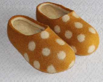Felted Wool Slippers in Yellow with Natural White inside and White Polka Dots decor. Size EU 39 ready to ship.