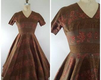 Vintage 1950s Dress / Brown and Burgundy Paisley Print / Cotton 50s Dress / XS