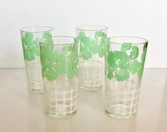 Set of 4 Vintage Drinking GLASSES  // Green Orchid Tropcial Flowers with White Fence Design
