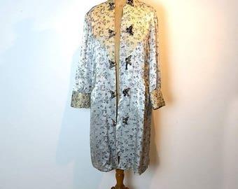 ON SALE Vintage mid century soft silver silk brocade Chinese robe sz 10-12AUS