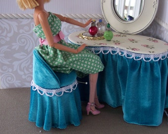 1:6 Vanity Table for Barbie, Fashion Royalty, Silkstone Barbie