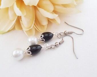 Black and White Earrings, Junior Bridesmaids Earrings, Bridal Party Gifts, Black Pearl Drop Earrings, Flower Girl Earrings, Formal Wedding