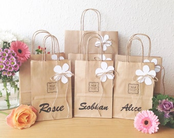 Wedding favour bag SMALL personalised gift bag (14cm x 19.5cm x 8cm) with Flower and cut out guest name