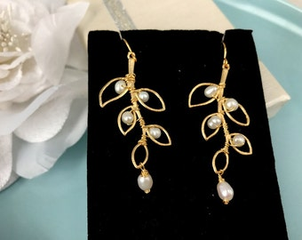 Freshwater Pearl and Matte Gold Leaves Earrings