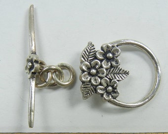 Sterling Silver Toggle Clasp, circle with flower and leaf motif, one clasp set, (SSC-20)