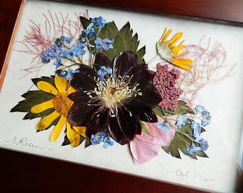 Wooden box with pressed flowers.  Real pressed flower box.  Pressed flower art.  Jewelry box. Memory box.  Gardeners gift. Keepsake box.
