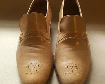 Fabulous Vintage Late 1970s Mens Pierre Cardin Leather Loafers. Slip On. 9 and a half. Styling