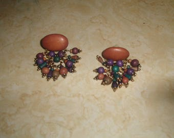 vintage clip on earrings wood beads dangles colorful