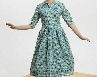 1950s Day Dress/ Mid Century Print Dress/ Shirtwaist 50s Dress/ Novelty Print